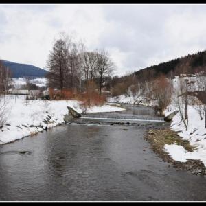 B62 Zima na řece