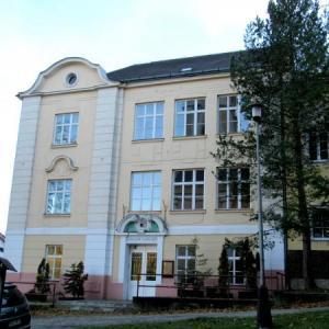 Škola č.p. 12, nám Sv. Michala, autor: PL