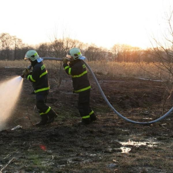 pálení porostů může skončit požárem, autor: HZS MSK