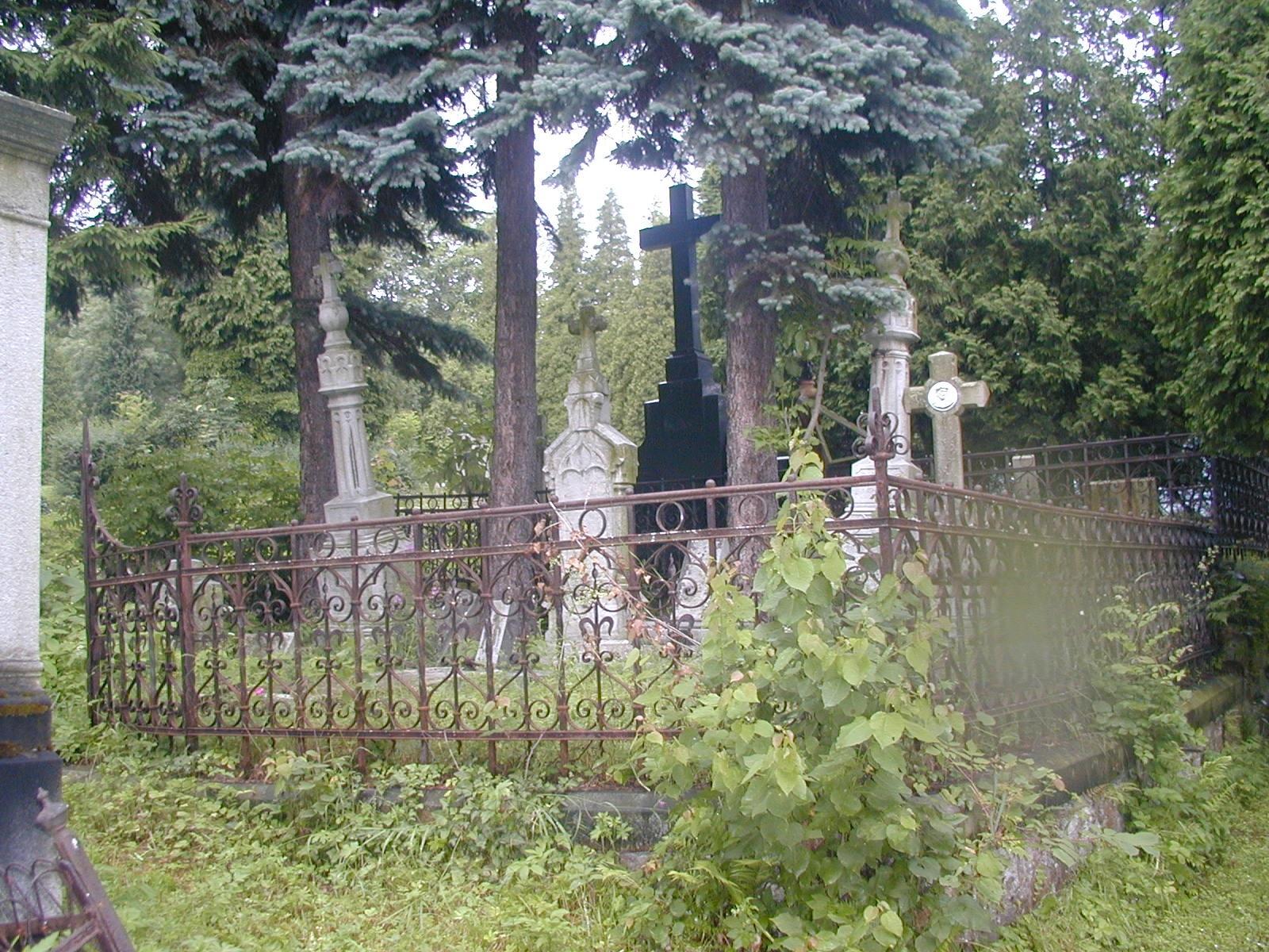 náhrobek rodiny Josefa Grohmanna, obrázek se otevře v novém okně